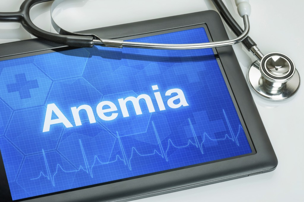 Tablet with the diagnosis Anemia on the display